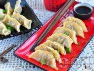Рецепта Пържени китайски пелмени със свинска кайма и сос